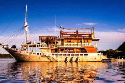 Host your next retreat on a liveaboard