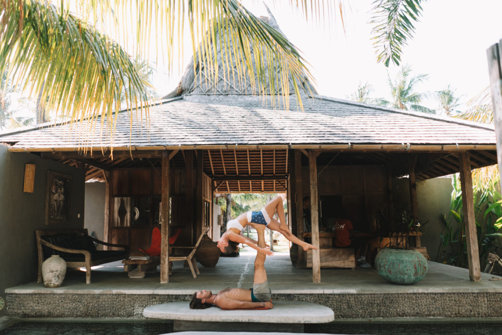Acro Yoga Slow Villas